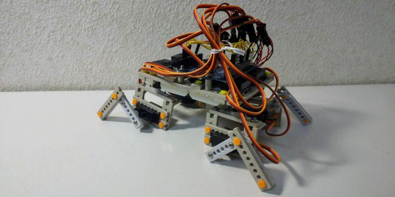 四足歩行ロボット
